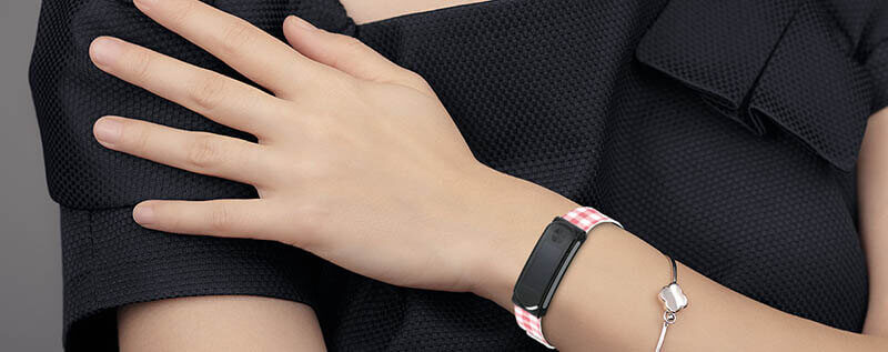 i-gotU Q68HR 心率無線智慧手環|